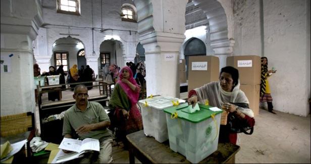 366673-pakistan-election-ballot-box